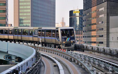 shiodome-yurikamome-train-big